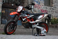 KTM Supermoto 690 SMC R