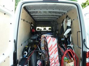 4 Motorräder und Zubehör mussten zur Rennstrecke transportiert werden