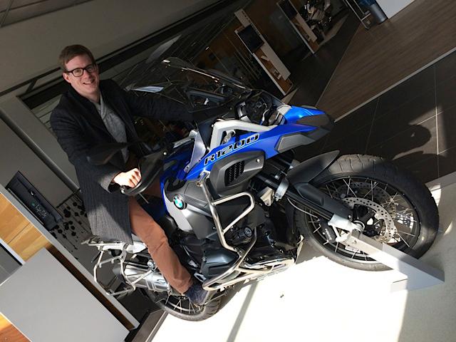 Kollege Gijs freut sich auf die neue BMW R1200