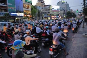 typisches Verkehrschaos in asiatischen Großstädten