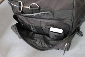 rund um die Tasche gibt es viele kleine Staufächer