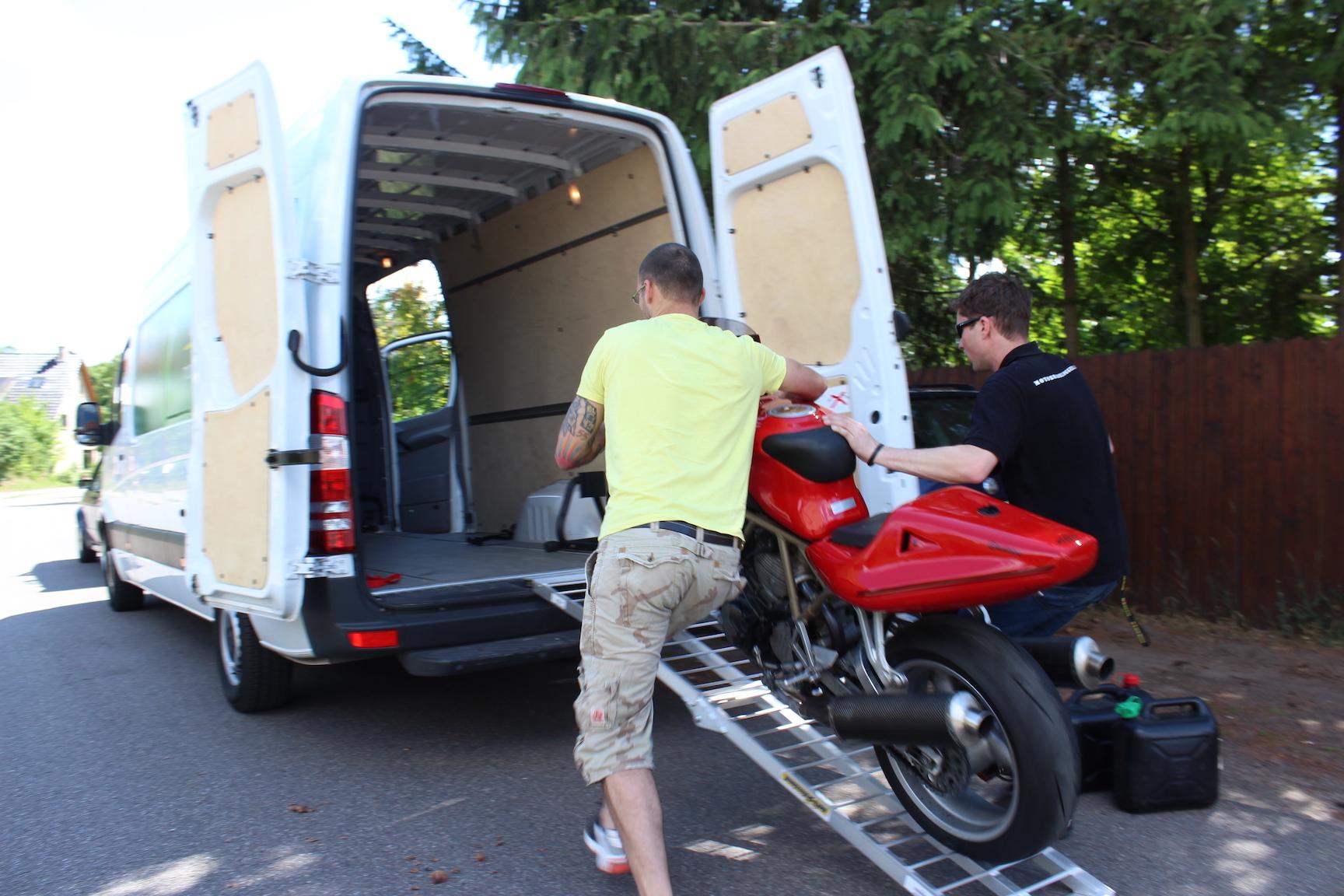 Motorradtransport im Transporter - so gehts | motorradblogger