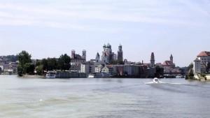 Nicht mit dem Bike, sondern mit dem Boot zu erleben, die Donau