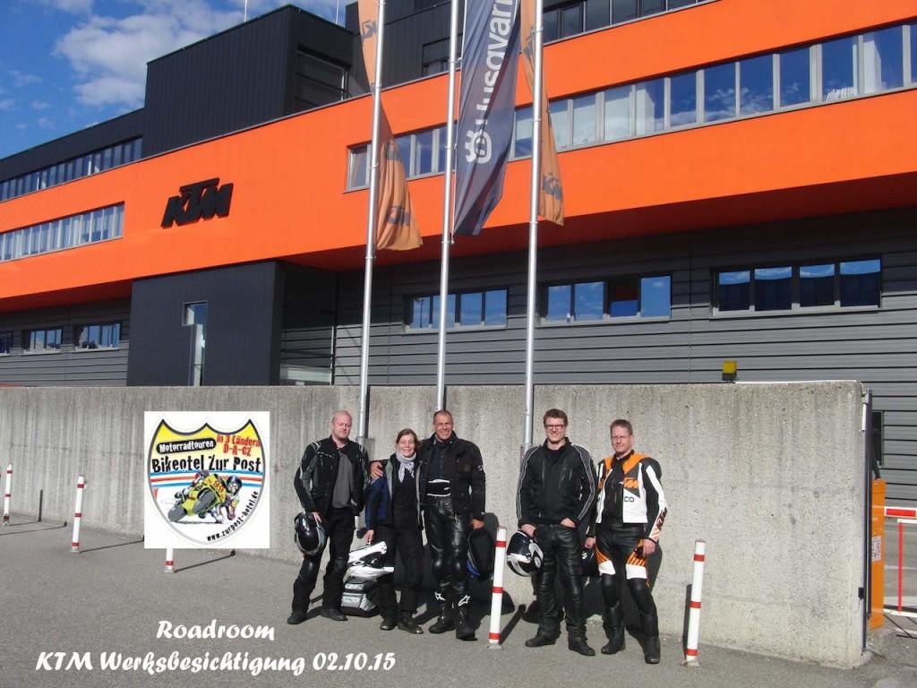 KTM Factory Tour mit guten Freunden