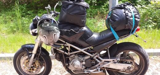 Viel Gepäck für ein Motorrad