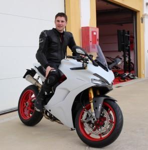Motorradblogger auf Supersport S